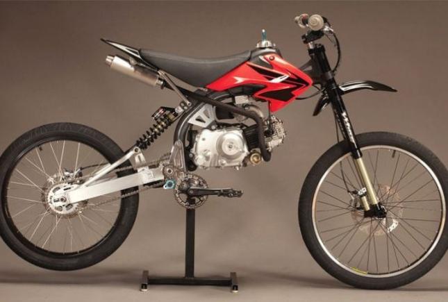 Горный велосипед плюс мотоцикл