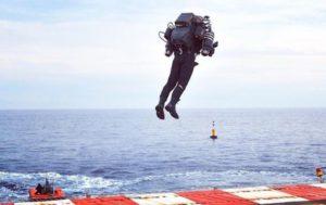полет серийного реактивного ранца JB10