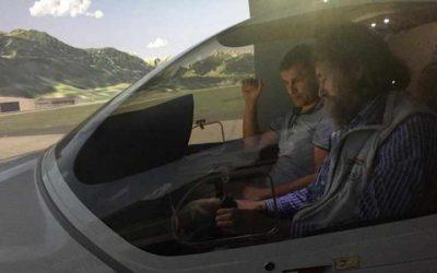 Федор Конюхов учится управлять самолетом в Беларуси