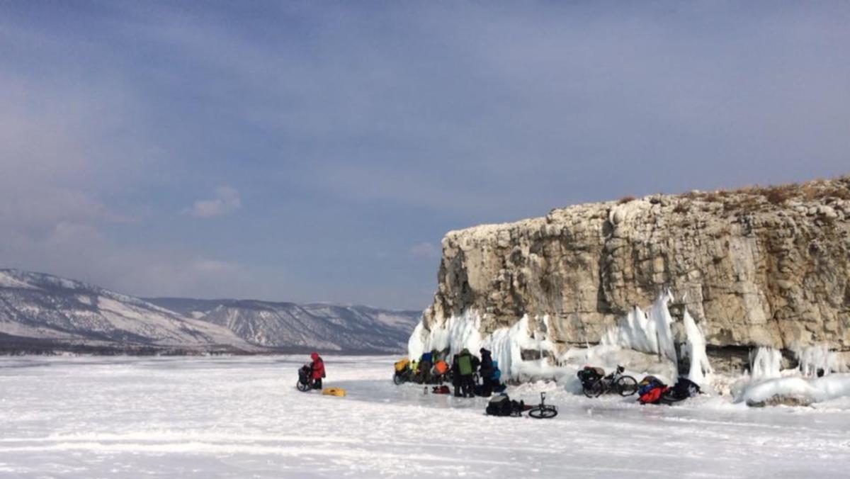 Велоэкспедиция по ледовому Байкалу