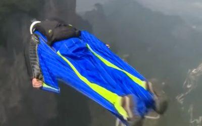 В Китае прошел Чемпионат мира по полетам в вингсьюте