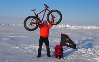 Россиянин добрался до Северного полюса на велосипеде